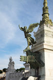 La statua di una donna alata nel monumento a Victor Emmanuel II Altare della patria alla piazza Venezia del quadrato di Venezia, Immagini Stock