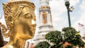 La statue d'or d'ange de visage Photographie stock libre de droits