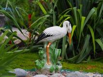La statue d'une cigogne Image stock