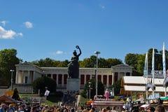 La statue de la Bavière chez Oktoberfest Munich photo libre de droits