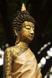 La statue de Bouddha dans le temple thaïlandais Image libre de droits