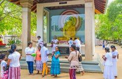 La statue de Bouddha dans le tombeau d'arbre de Bodhi Photographie stock