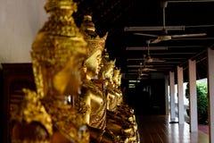 La statue de Bouddha : Foi dans la religion image stock