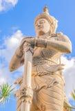 La statue de faerie avec le fond de ciel bleu images libres de droits