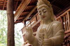 La statue de Guan Yin photographie stock