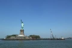La statue de la liberté s'est fermée pour la réparation après des dommages de Sandy d'ouragan Image libre de droits