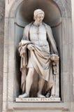 La statue de Nicola Pisano dans la galerie d'Uffizi à Florence en Italie Photographie stock