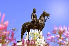 La statue du gratin dans le support d'histoire de la Thaïlande images stock
