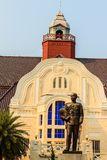 La statue en laiton du Roi Chulalongkorn Rama V au palais Wang Ban Peun de Phra Ramratchaniwet, ancienne le palais du Roi Rama 5, Photographie stock libre de droits