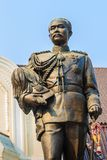 La statue en laiton du Roi Chulalongkorn Rama V chez Phra Ramratch Photos stock