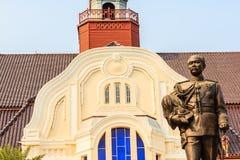 La statue en laiton du Roi Chulalongkorn Rama V chez Phra Ramratch Photo stock