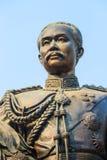 La statue en laiton du Roi Chulalongkorn Rama V chez Phra Ramratch Image libre de droits