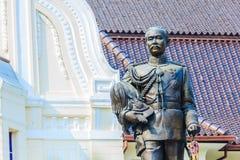 La statue en laiton du Roi Chulalongkorn Rama V chez Phra Ramratch Photographie stock libre de droits