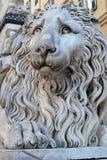 La statue en pierre de lion Photo stock