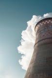 La stazione del calore fuma fotografie stock libere da diritti