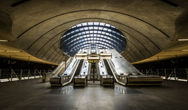 La stazione della metropolitana di Canary Wharf, Londra Fotografia Stock Libera da Diritti