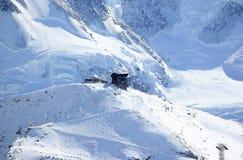 La stazione della sommità di Rothorn offre le viste gloriose di più alte montagne nel Valais ed in Svizzera Fotografia Stock Libera da Diritti