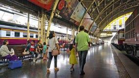 La stazione ferroviaria a Bangkok archivi video