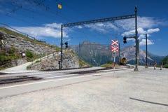 La stazione ferroviaria di Alp Grum è situata sulla ferrovia di Bernina Immagini Stock Libere da Diritti
