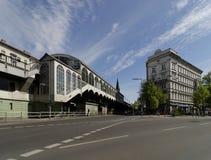 La stazione ferroviaria Goerlitzer Bahnhof in Kreuzberg, Berlino, Germania Immagini Stock Libere da Diritti