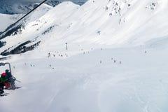 La stazione sciistica in alpi svizzere si avvicina a Restaurant Le Dahu Immagine Stock Libera da Diritti