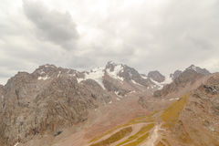 La stazione superiore della stazione sciistica Chimbulak e delle viste del ghiacciaio Fotografia Stock