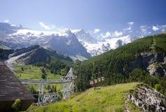 La stazione teleferic ed il paesaggio della montagna Fotografia Stock Libera da Diritti
