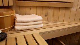 La stazione termale e si rilassa nella sauna video d archivio