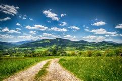 La strada attraverso le montagne Fotografie Stock Libere da Diritti