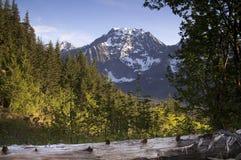 La strada del fuoco trascura la catena montuosa del nord delle cascate del picco di Big Four Immagine Stock Libera da Diritti
