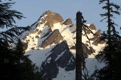 La strada del fuoco trascura la catena montuosa di Del Campo Peak North Cascades Immagini Stock Libere da Diritti