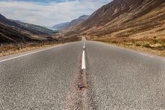 La strada giù Glen Dochart Immagini Stock