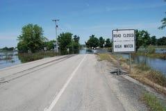 La strada ha chiuso l'alta acqua - inondazione Fotografia Stock Libera da Diritti