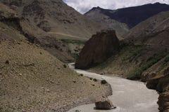 La strada in Himalaya Immagine Stock