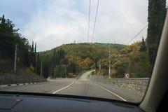 La strada nel Mountain View dalla macchina fotografia stock libera da diritti