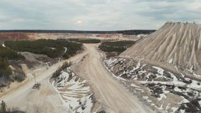 La strada nella cava Vista aerea 4K stock footage
