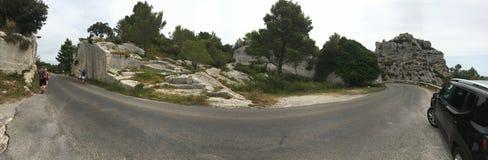 La strada a panorama di Les Baux-de-Provenza, Francia Fotografie Stock