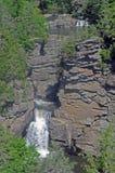 La strada panoramica blu Linville del Ridge cade a file fotografia stock