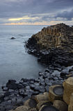 La strada soprelevata del gigante - costa di Antrim, Irlanda del Nord, Regno Unito. Fotografia Stock Libera da Diritti