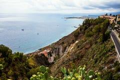 La strada a Taormina, Sicilia, Italia Fotografia Stock Libera da Diritti