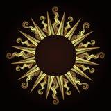 La struttura antica decorata di stile incisione dell'oro in una forma del sole rays l'illustrazione disegnata a mano di vettore royalty illustrazione gratis