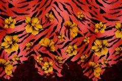 La struttura del tessuto della stampa ha barrato il leopardo ed il fiore Immagini Stock