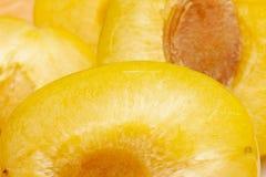 La struttura della frutta della frutta della prugna una è ingrandetta alla dimensione dello schermo Immagini Stock Libere da Diritti