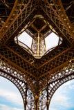 La struttura della torre Eiffel, Parigi Fotografie Stock Libere da Diritti