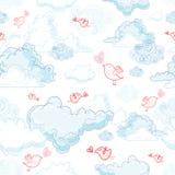 La struttura delle nubi e degli uccelli nell'amore Fotografia Stock Libera da Diritti
