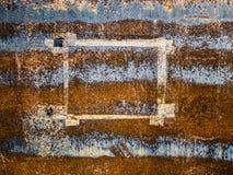 La struttura di carta ha andato sulla superficie di metallo erosa, fondo astratto di lerciume Fotografie Stock Libere da Diritti