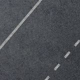 La struttura di una strada asfaltata con la marcatura allinea Fotografie Stock Libere da Diritti