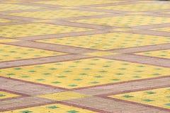 La struttura, fondo, area variopinta ha allineato con le lastre per pavimentazione Fotografia Stock