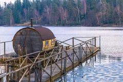 La Suède - 1er avril 2017 : Loge dans la région sauvage de la Suède Photographie stock libre de droits