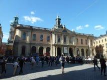 La Suède, Stockholm - le Nobelmuseet et le Stortorget - ville de Stan de gamla vieille images stock